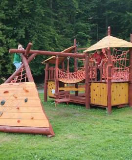 Dětský lanový hrad, petanque, slackline